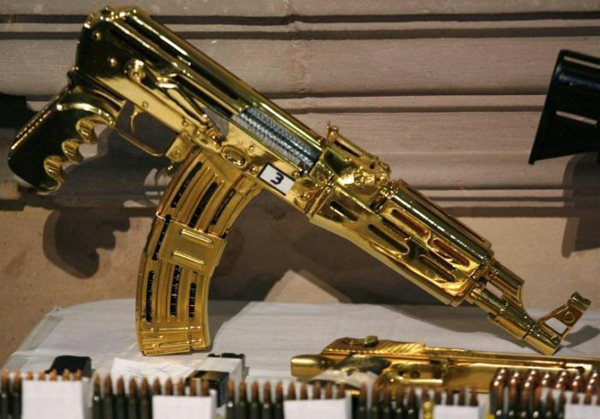 a2a9c3396d_22-More-Gold-machine-guns-and-pistols-most-were-never-fired-just-held-for-collection-value