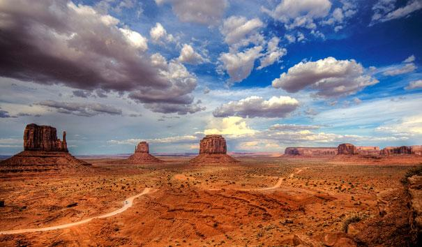 amazing-places-monument-valley-3