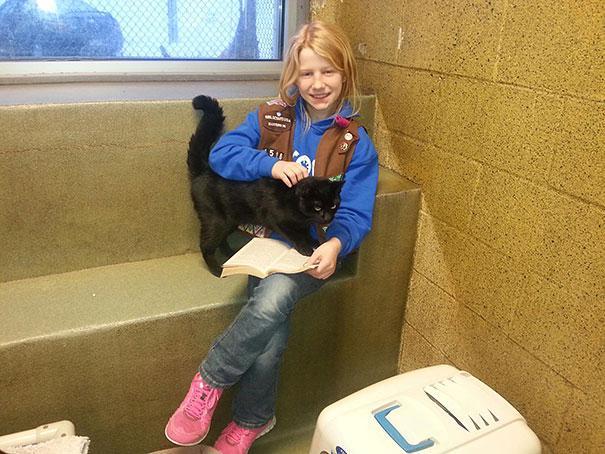 reading-children-shelter-cats-book-buddies-14