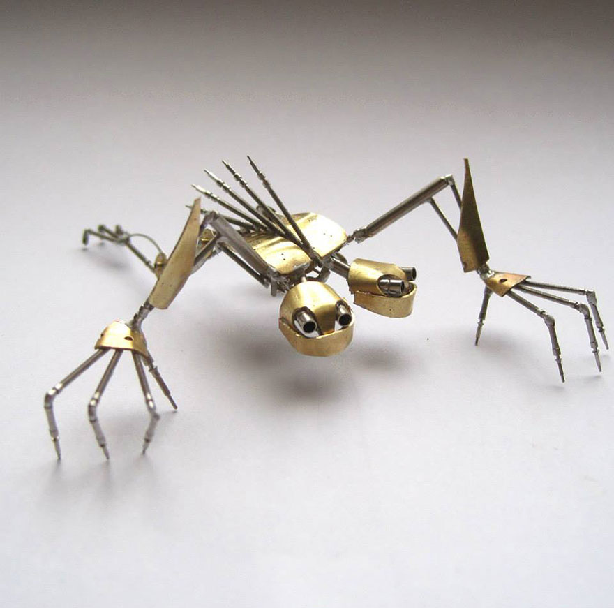 artist-constructs-spine-chilling-insects-and-spiders-fro_003