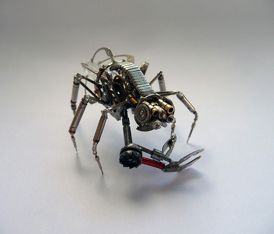 artist-constructs-spine-chilling-insects-and-spiders-fro_013