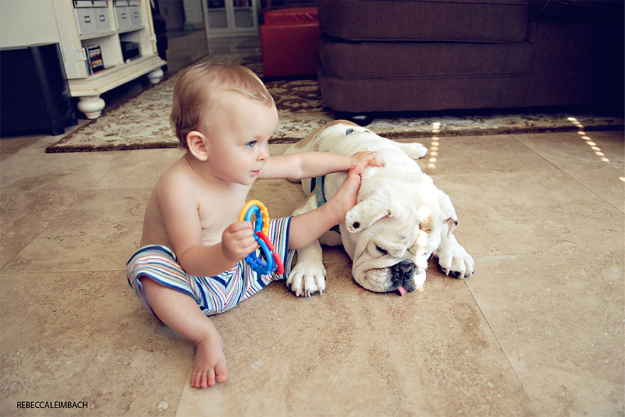 girl-english-bulldog-friendship-photography-lola-harper-_007
