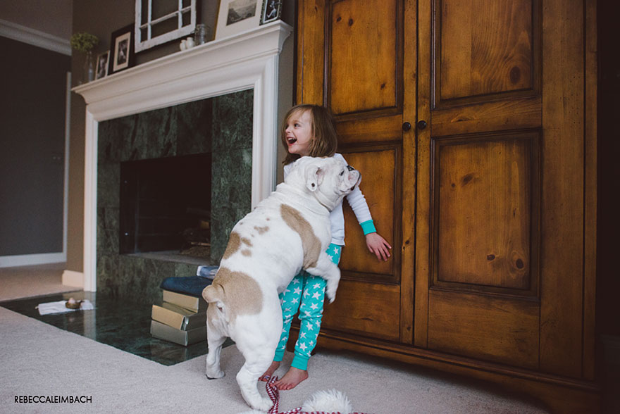girl-english-bulldog-friendship-photography-lola-harper-_018
