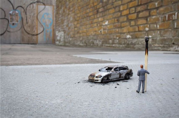 slinkachu-little-people-car-1