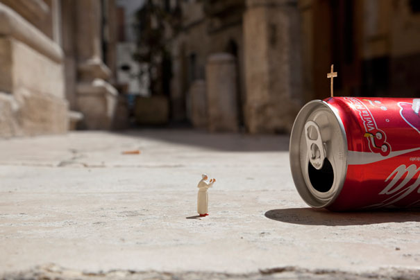slinkachu-little-people-glory-1
