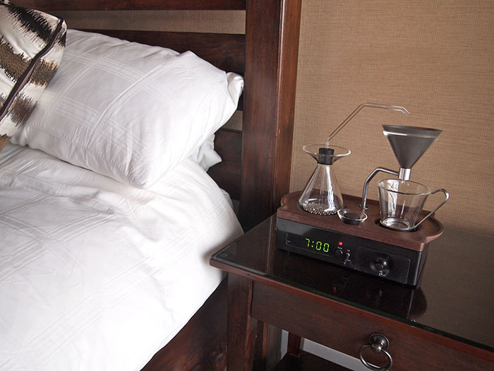 orologio-sveglia-macchina-caffè