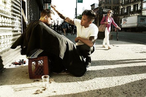 taglio-capelli-per-senzatetto