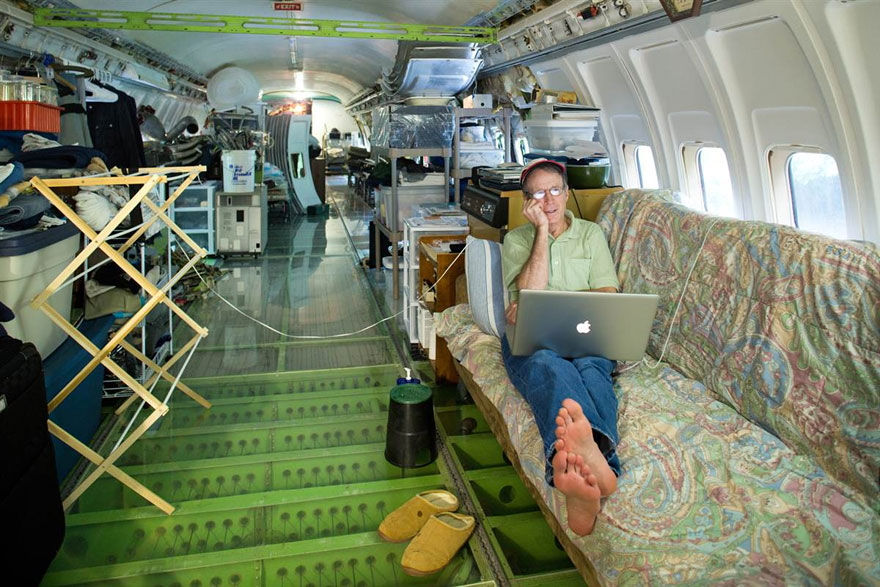 retired-boeing-727-recycled-home-bruce-campbell-1 Planes Turned Into Houses on bruce campbell, made out, flying low near my, spotting my, that are like, trains automobiles home alone, trains automobiles, flying over, design nice, that crashed into white,