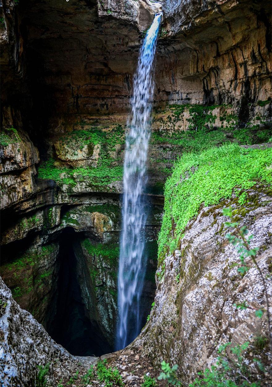 cascata-gola-baatara-libano-caverna-tre-ponti