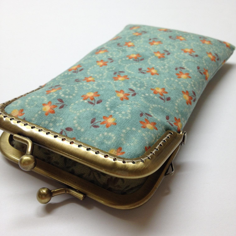 accessori-creativi-iphone-ipad-kindle-laptop-12