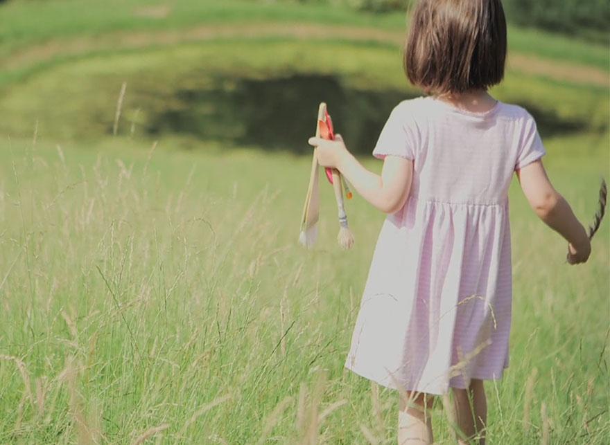 bambina-di-5-anni-dipinge-autismo-iris-grace-01
