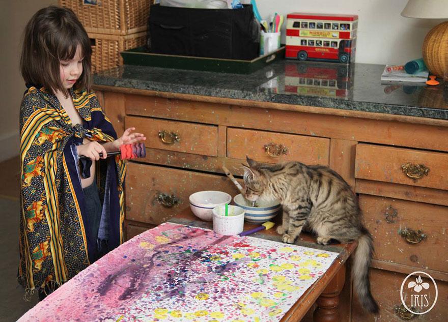bambina-di-5-anni-dipinge-autismo-iris-grace-05