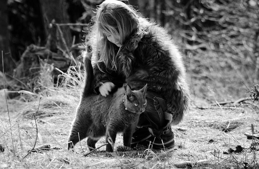 bambini-che-giocano-con-gatti-fotografia-07