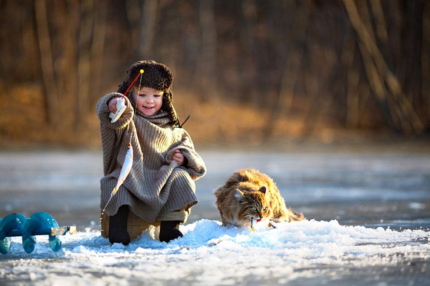 bambini-che-giocano-con-gatti-fotografia-26