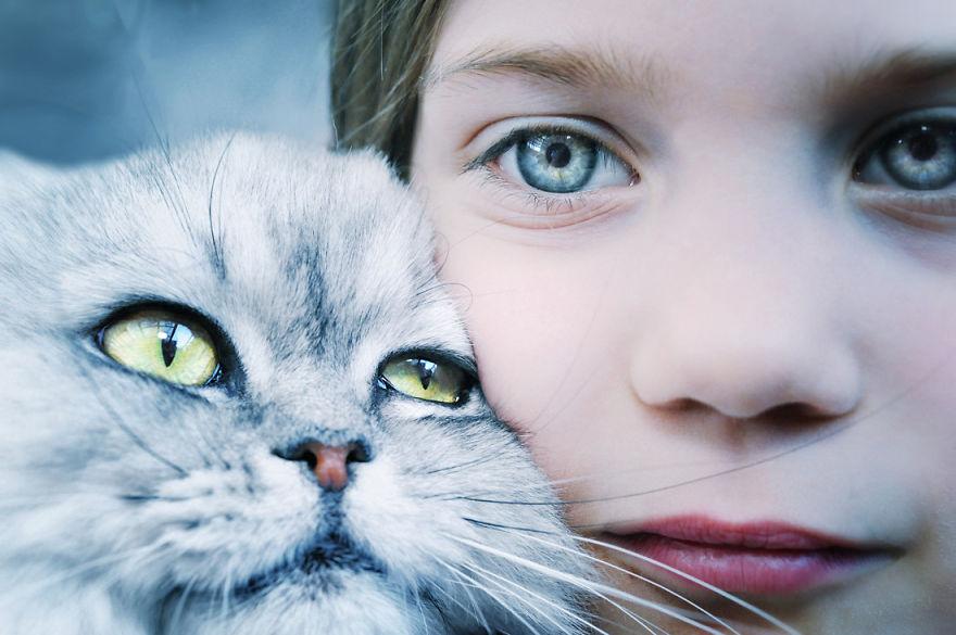 bambini-che-giocano-con-gatti-fotografia-28