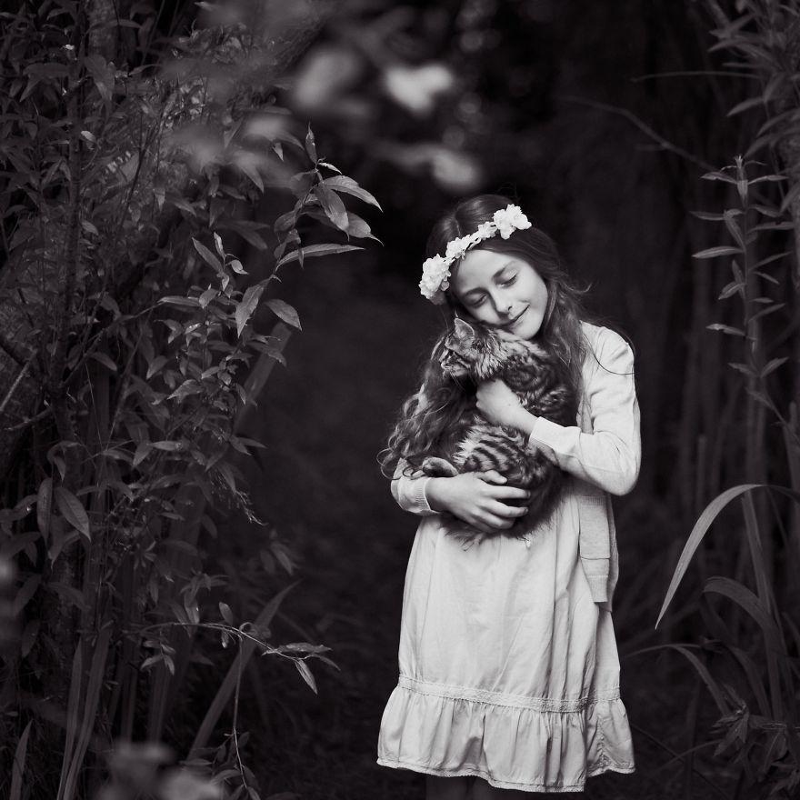 bambini-che-giocano-con-gatti-fotografia-31