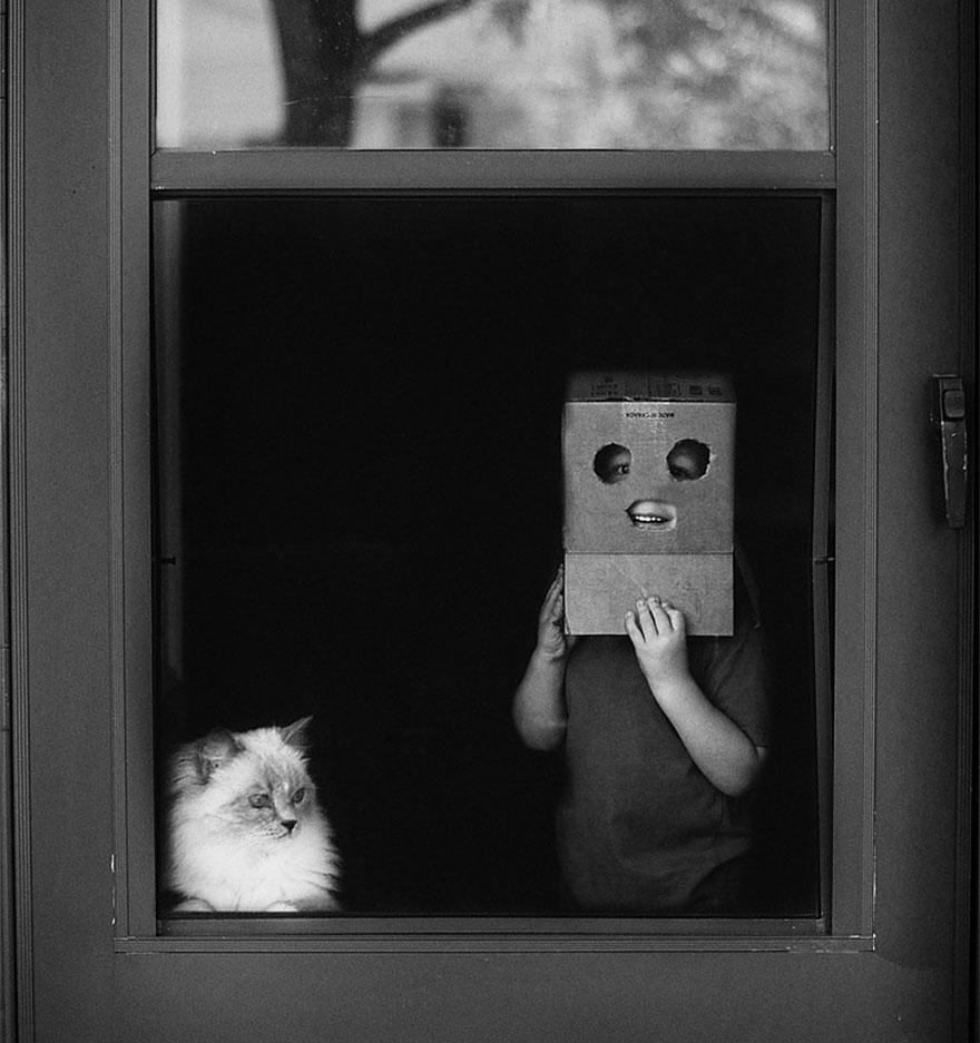 bambini-che-giocano-con-gatti-fotografia-48