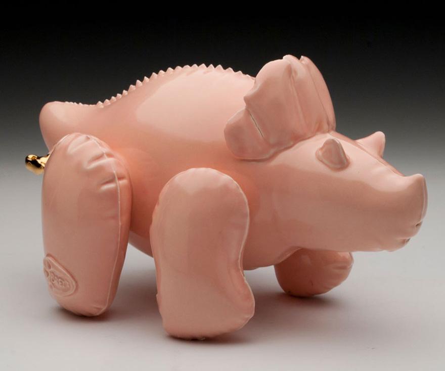 sculture-ceramica-dinosauri-sembrano-giocattoli-gonfiabili