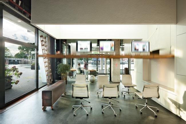 heldergroen-amsterdam-ufficio-che-scompare-video-5
