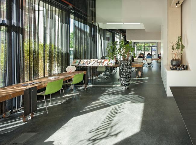 heldergroen-amsterdam-ufficio-che-scompare-video-6