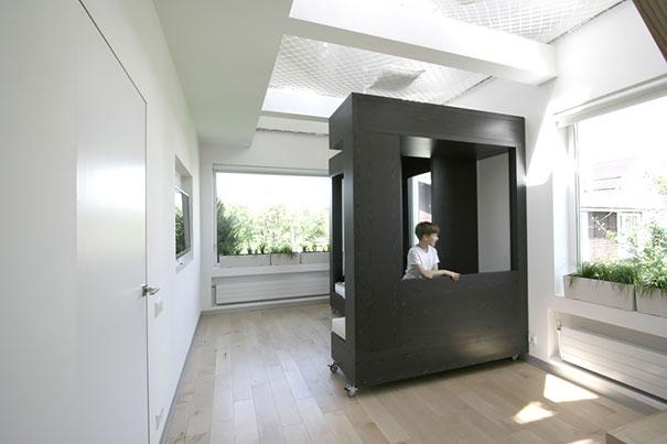 Idee geniali per risparmiare spazio nei piccoli for Mobili salotto design