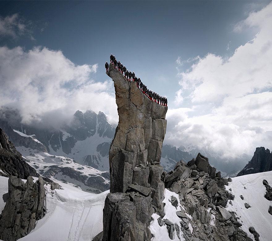 monte-cervino-foto-centinaia-scalatori-robert-bosch-mammut-05