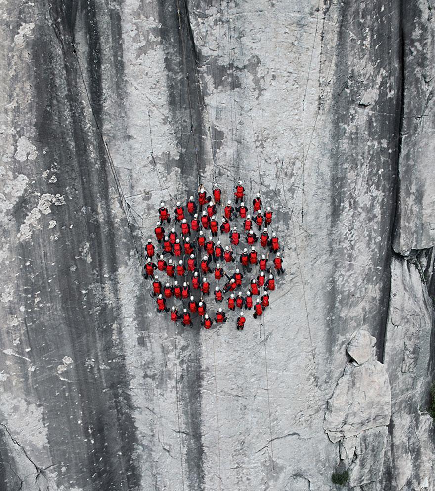 monte-cervino-foto-centinaia-scalatori-robert-bosch-mammut-07