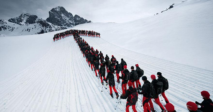 monte-cervino-foto-centinaia-scalatori-robert-bosch-mammut-09