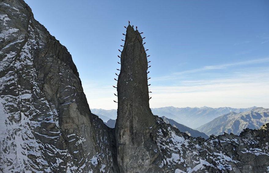 monte-cervino-foto-centinaia-scalatori-robert-bosch-mammut-10