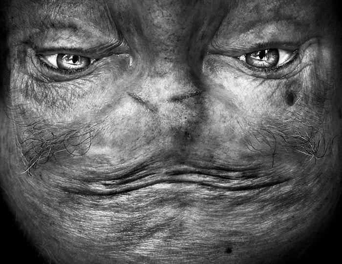 ritratti-fotografici-sottosopra-alieni-alienation-Anelia-Loubser-05