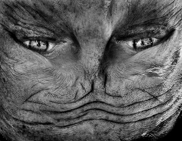 ritratti-fotografici-sottosopra-alieni-alienation-Anelia-Loubser-08