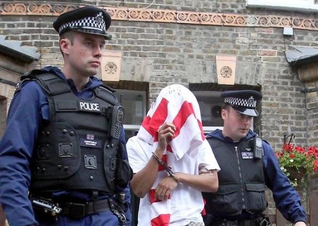 arresto-banksy-street-artist-bufala-1