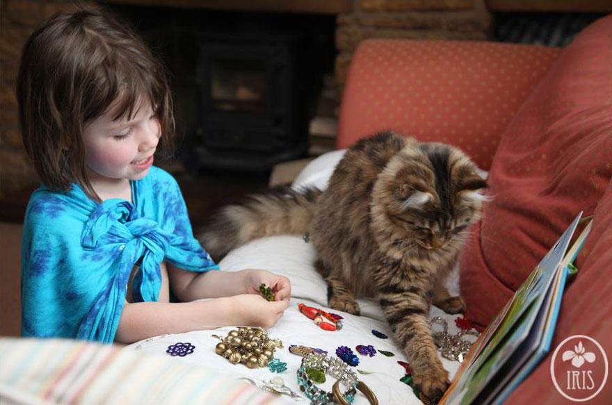 gatto-terapia-autismo-bambina-iris-grace-20