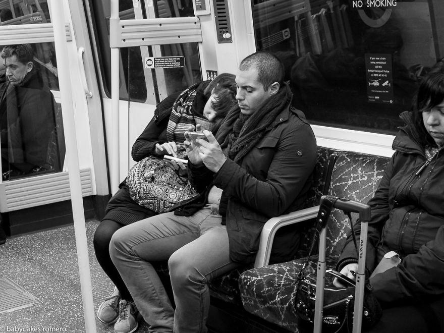 morte-della-conversazione-smartphone-facebook-telefonini-02
