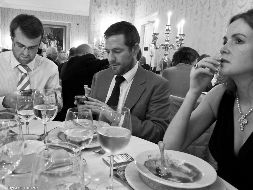 morte-della-conversazione-smartphone-facebook-telefonini-03