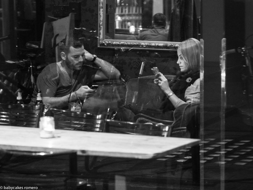morte-della-conversazione-smartphone-facebook-telefonini-08