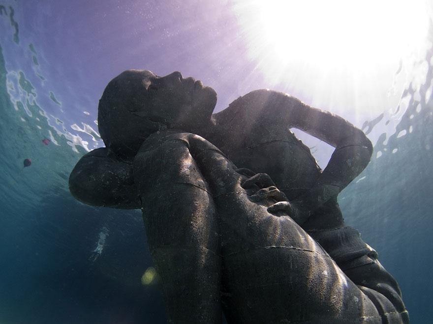 ocean-atlas-atlante-bahamas-scultura-statua-immersa-jason-decaires-7