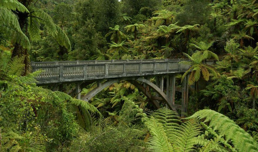 vecchi-antichi-ponti-misteriosi-nel-mondo-10