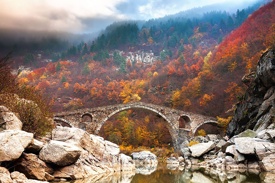 vecchi-antichi-ponti-misteriosi-nel-mondo-28