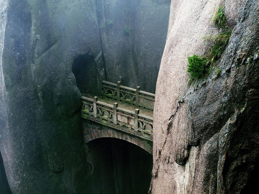 vecchi-antichi-ponti-misteriosi-nel-mondo-30