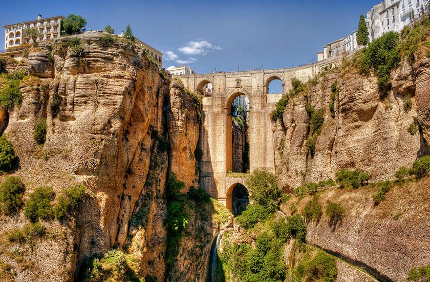vecchi-antichi-ponti-misteriosi-nel-mondo-31