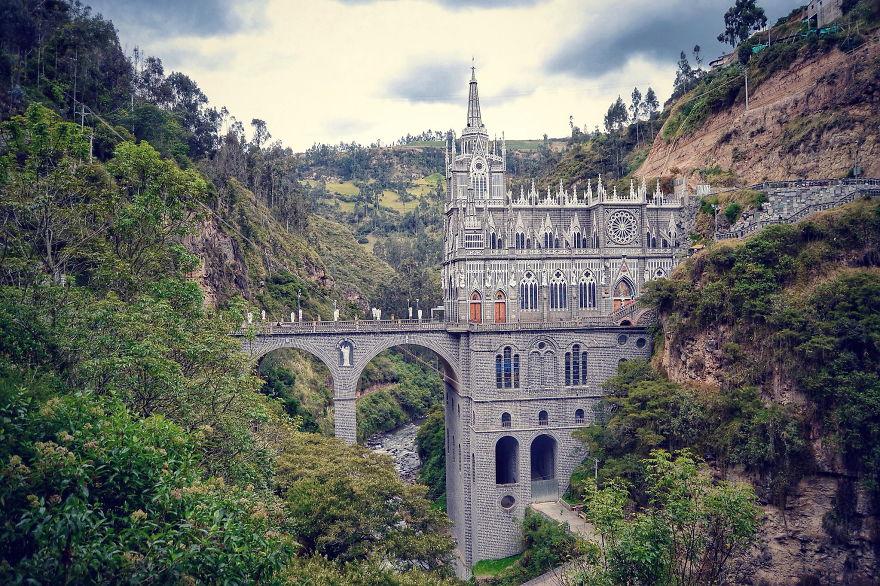 vecchi-antichi-ponti-misteriosi-nel-mondo-36