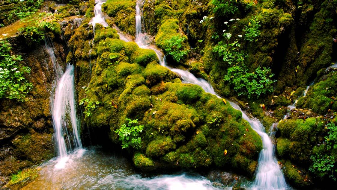 20-luoghi-incantati-da-favola-in-italia-cascate-del-varone