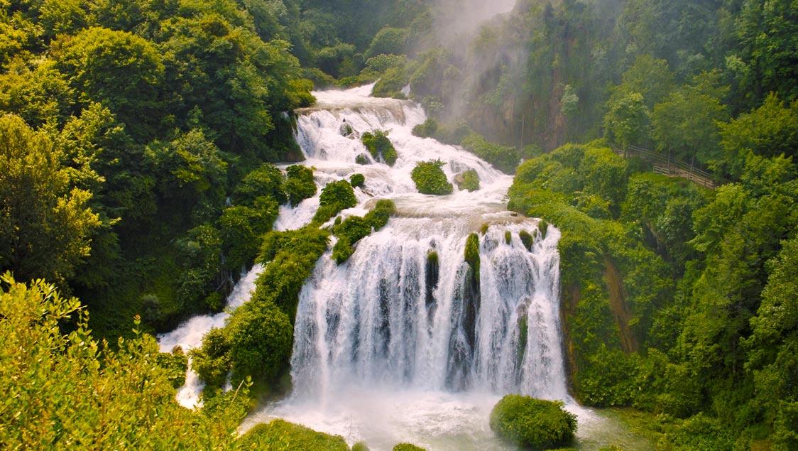 20 luoghi incantati e da favola in Italia, Cascate delle Marmore, Terni, Umbria