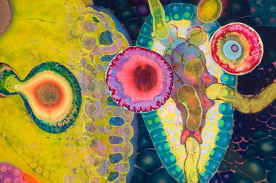 Crea arte psichedelica versando vernice e resina keblog for Peinture avec resine