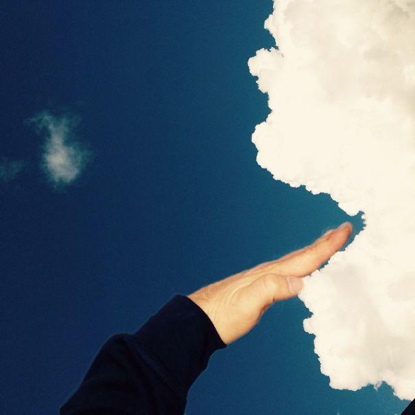 foto-di-nuvole-divertenti-prospettiva-forzata-markus-einspannier-12