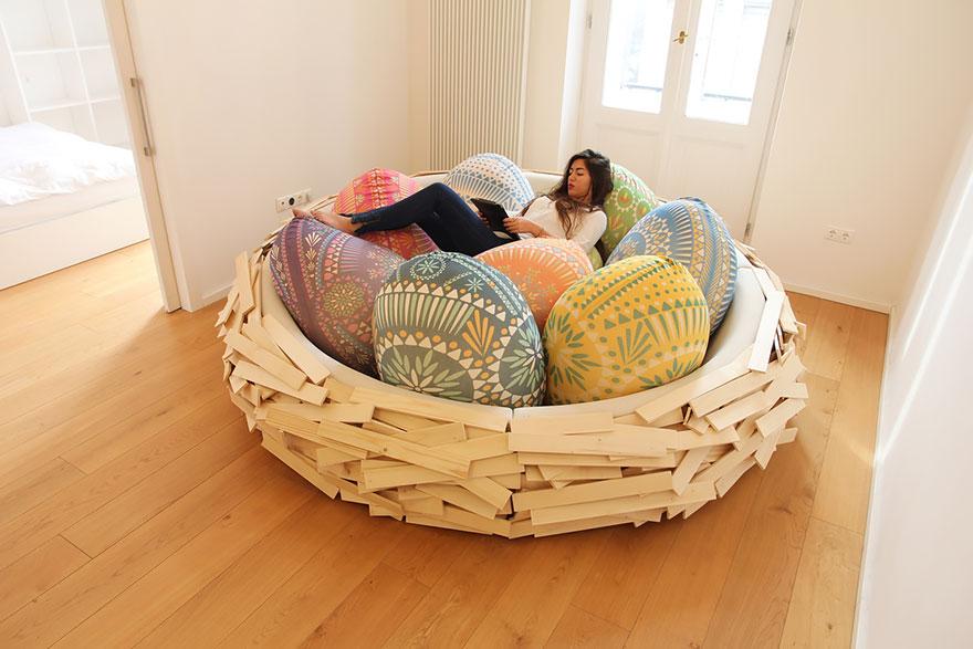 letto-design-nido-gigante-uccello-uova-oge-1