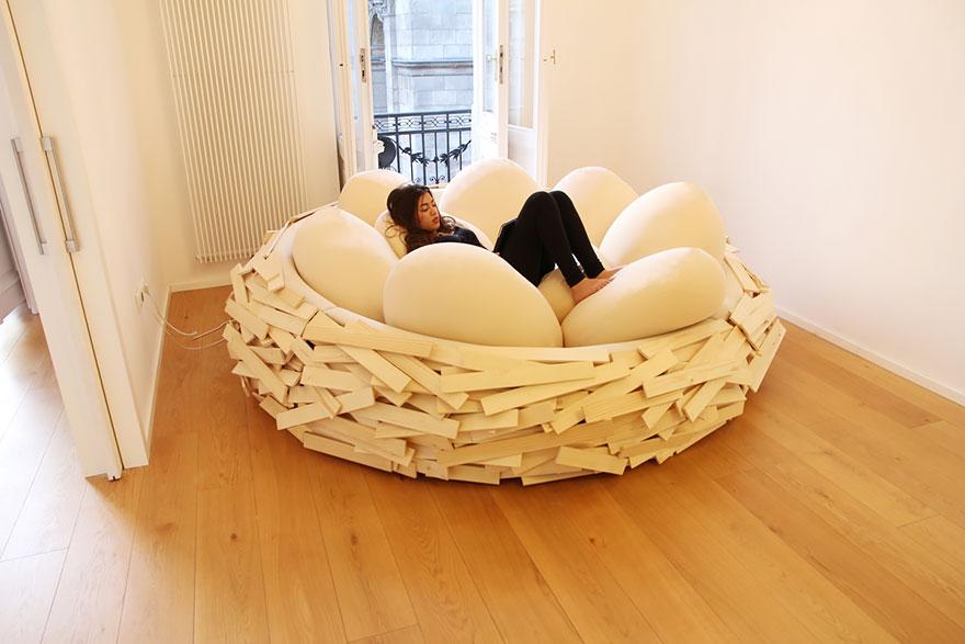 letto-design-nido-gigante-uccello-uova-oge-2