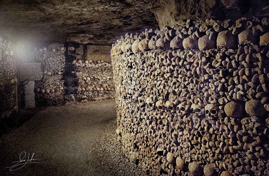 ossari-catacombe-monumenti-ossa-teschi-umani-15