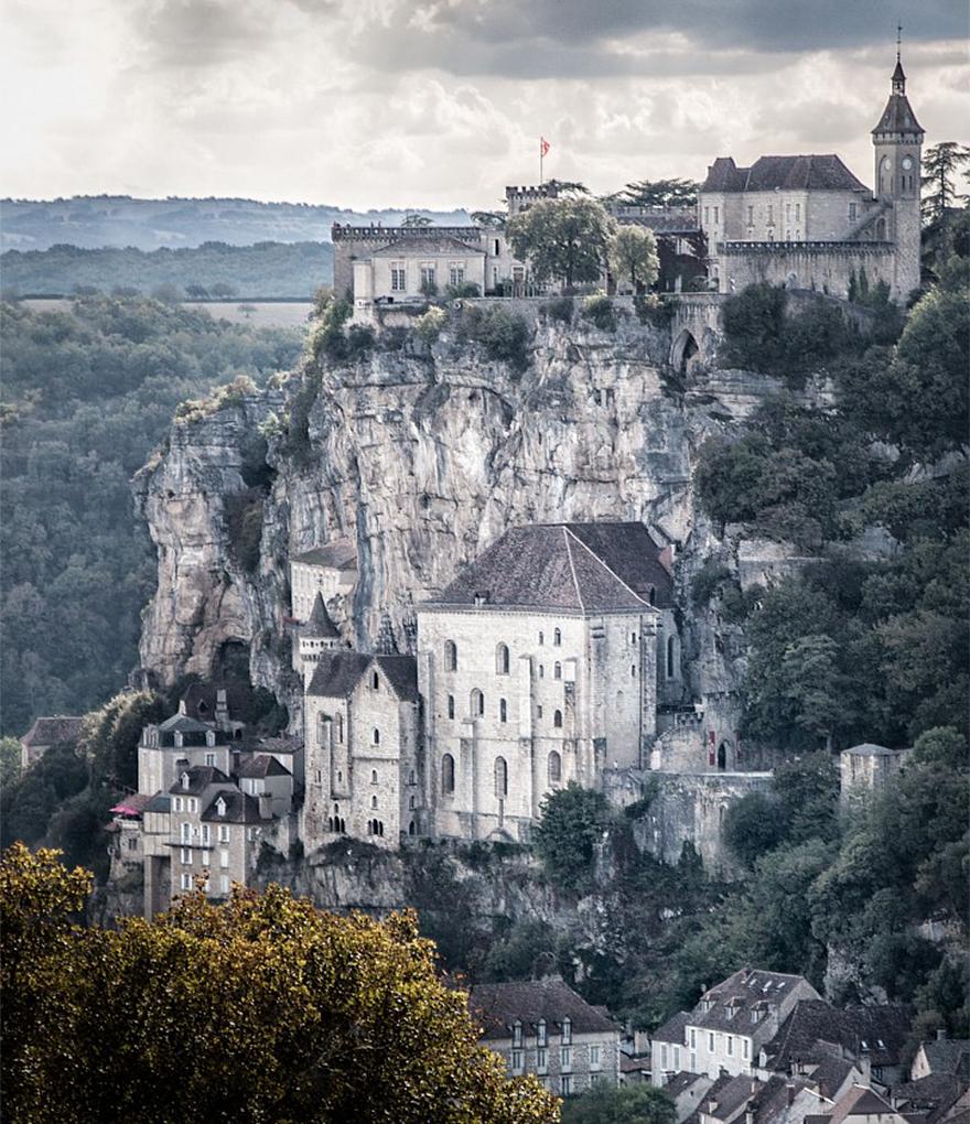 paesi-scogliere-colline-ripide-rocche-mondo-11